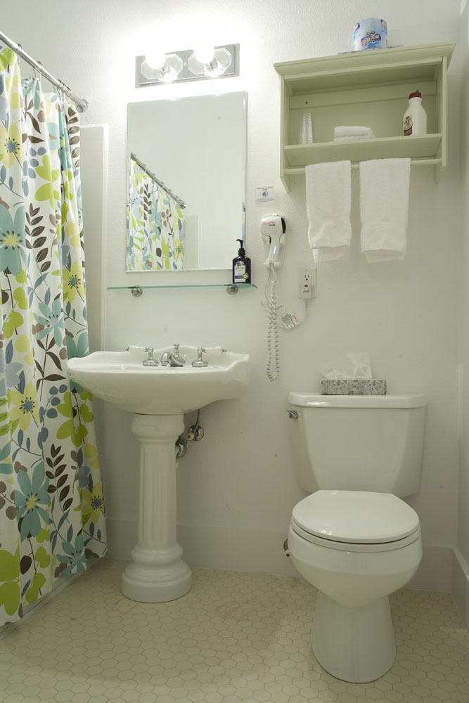 Room 4 - Bath at Broad Street Inn, Nevada City